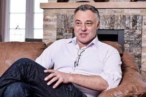 Čovek za primer - Alek Kavčić - objavljeni prvi besplatni udžbenici